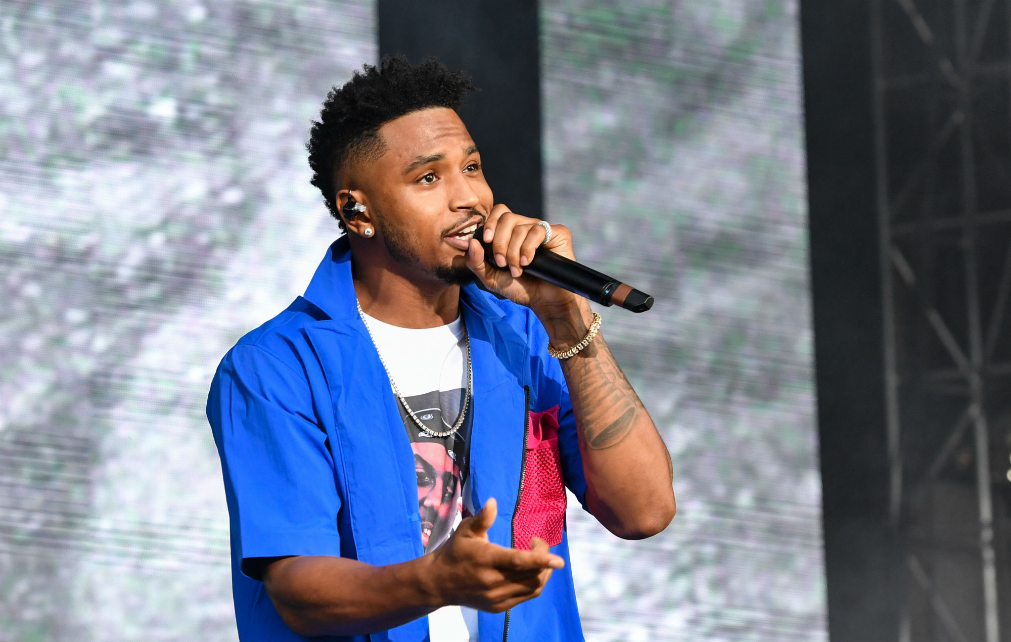 "Trey Songz arrested for ""assaulting police officer"" at NFL game"