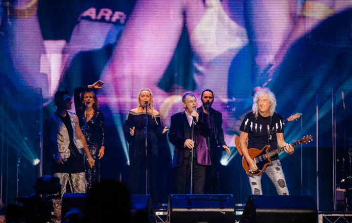 Brian May and Olivia Newton-John join John Farnham on stage for Youre the Voice