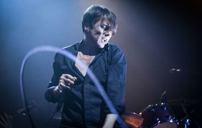 Brett Anderson of Suede peforms on stage at O2 Academy Leeds on April 24, 2019 in Leeds, England. (Photo by Andrew Benge/Redferns)