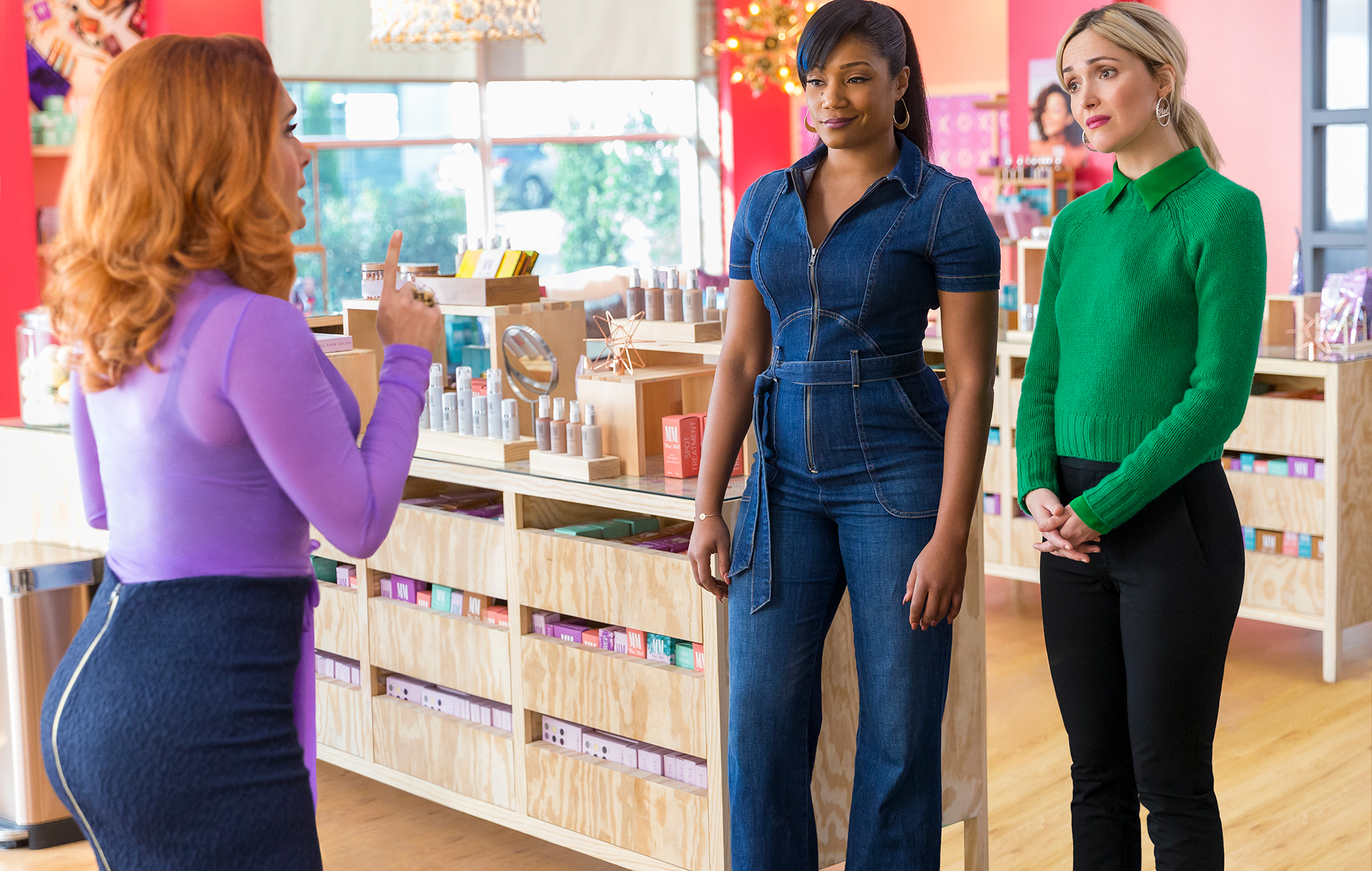 'Like A Boss' review: female buddy comedy wastes its top-level talent