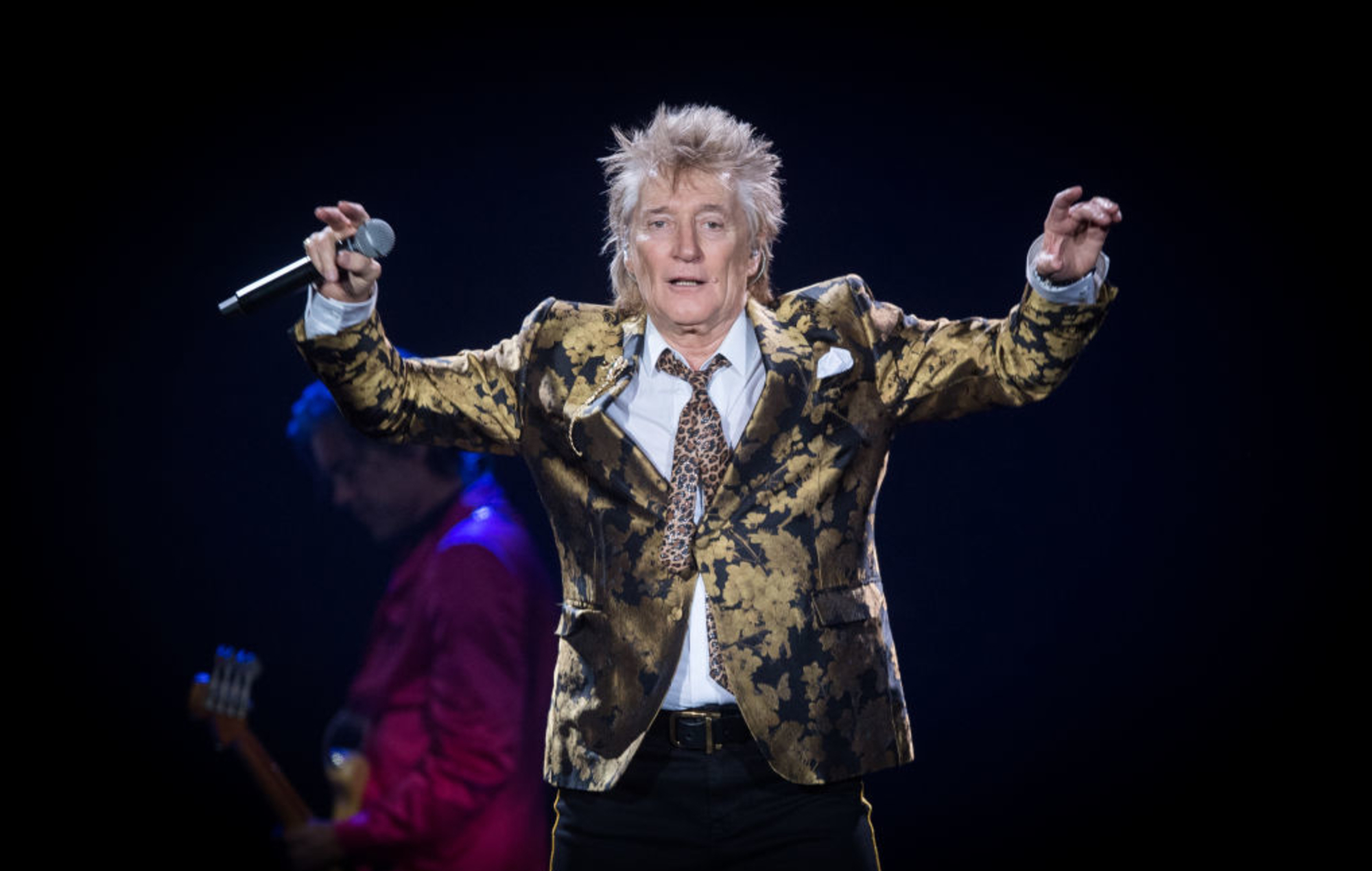 Rod Stewart appears to perform Nazi salute and assault security guard in new video