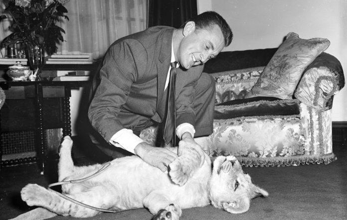 Kirk Douglas, Hollywood legend, dies aged 103