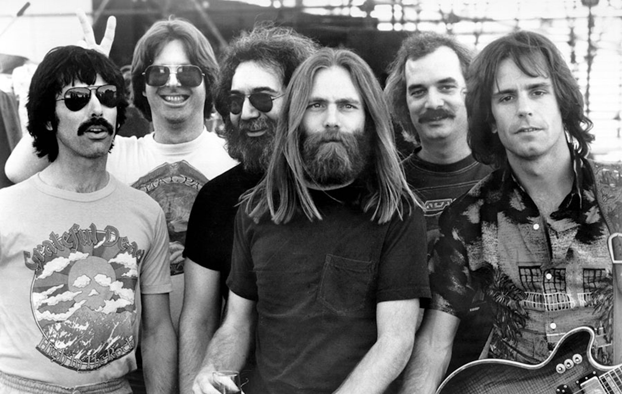 COSMO  Grateful Dead t-shirt from 1967 breaks record at auction sale