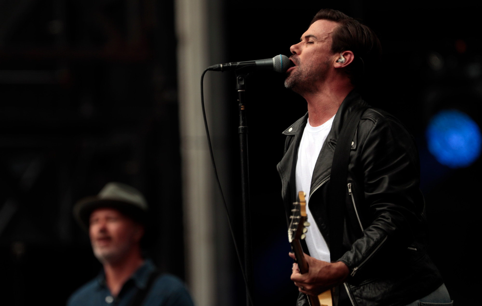 Grinspoon list Fire Fight Australia guitar up for charity auction   NME Australia