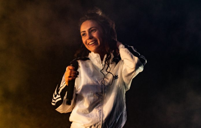 Amy Shark Tells Fans She Has New Music Ready To Go Nme Australia