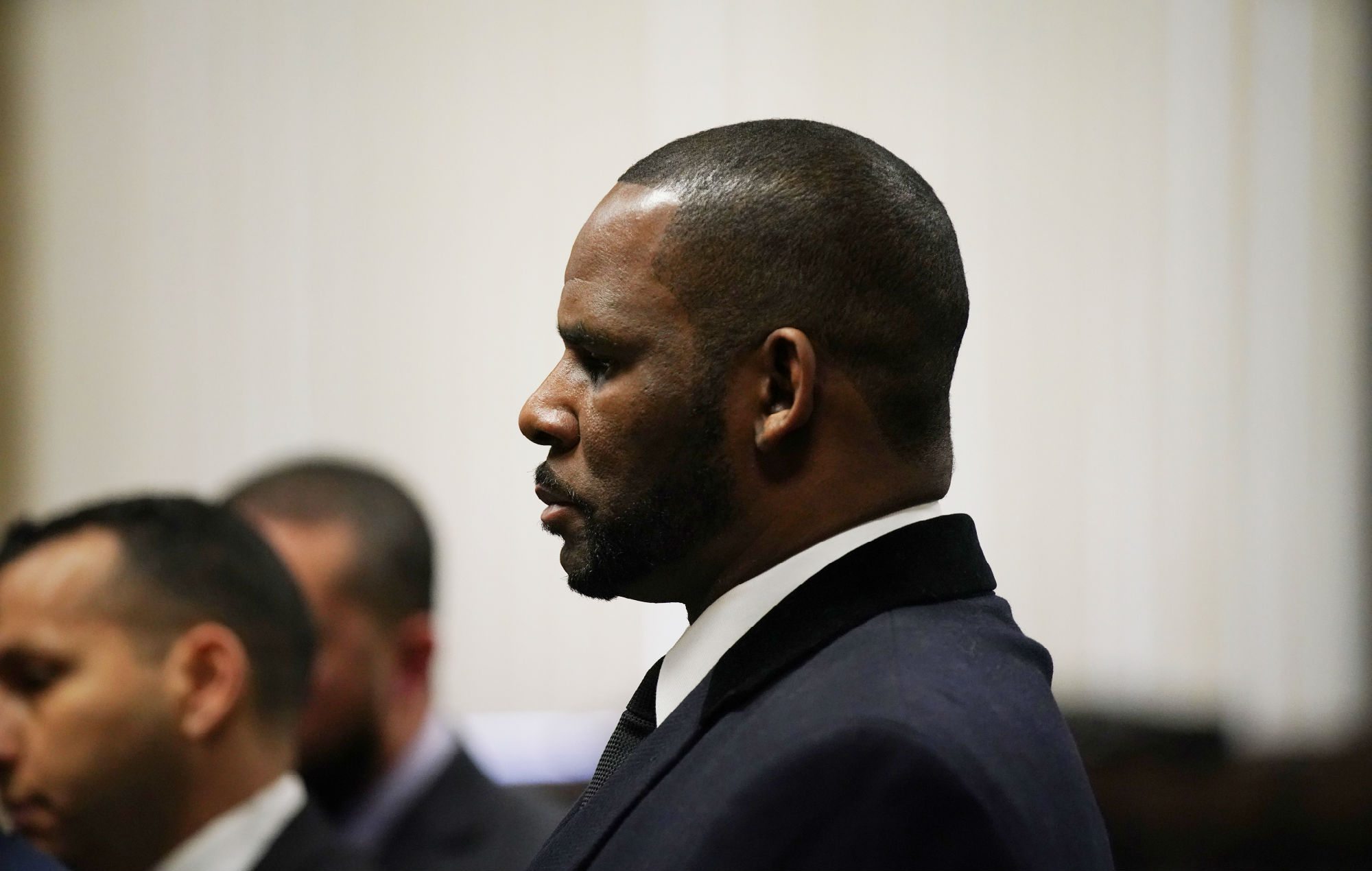 R. Kelly is asking to be released from jail again over fears he'll contract coronavirus - EpicNews