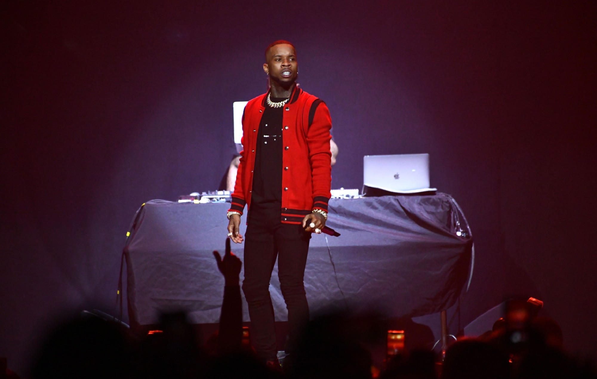 Tory Lanez shares videos for new tracks 'Staccato' and '392', Shop Ticket Snatchers