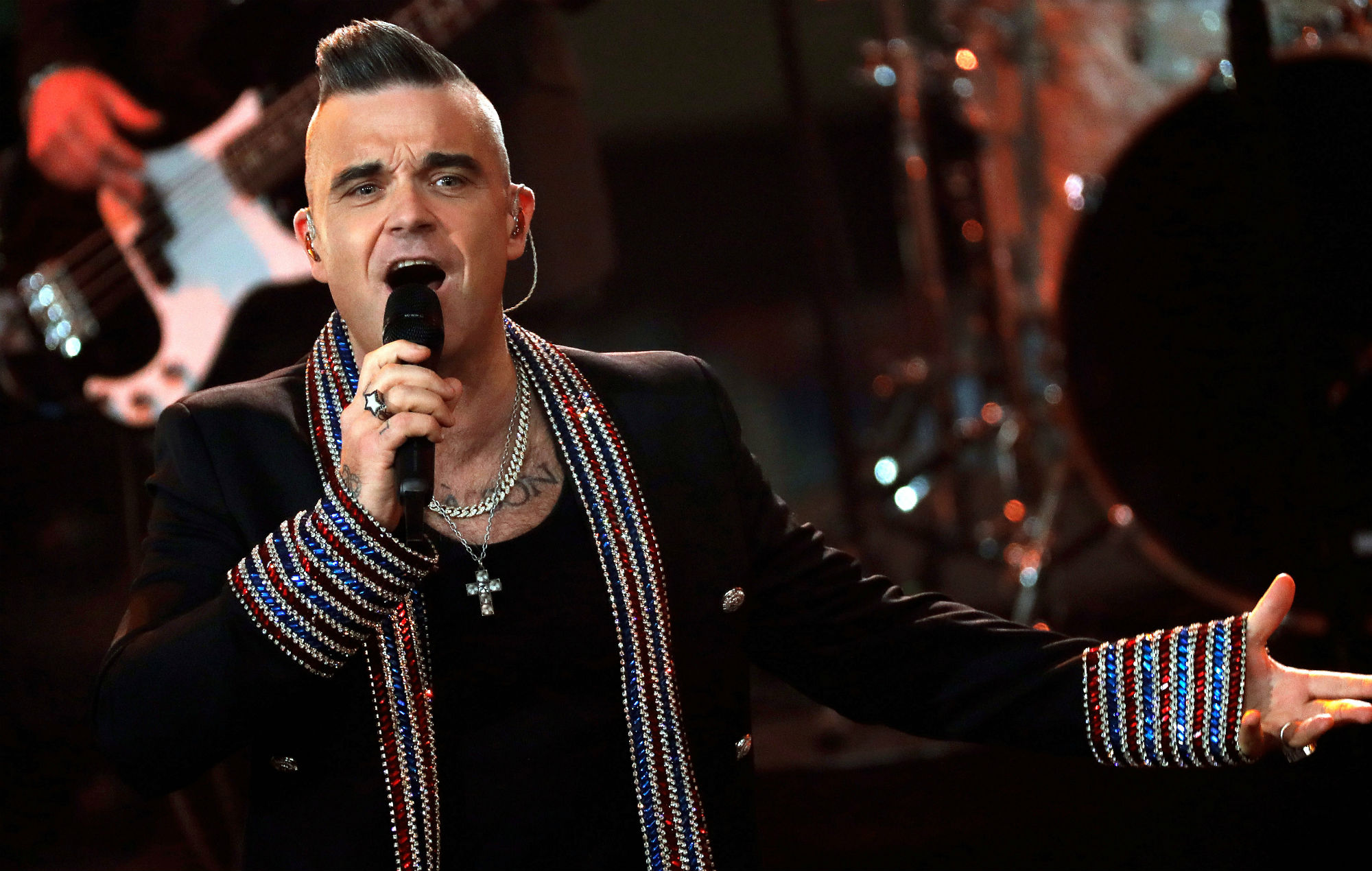 Robbie Williams biopic from 'The Greatest Showman' director is in the works