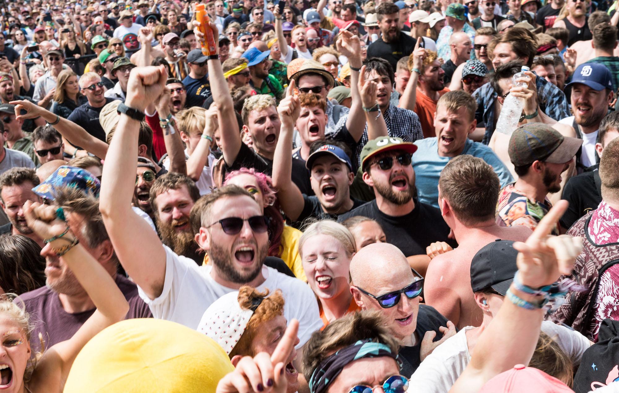 Glastonbury crowd 2019