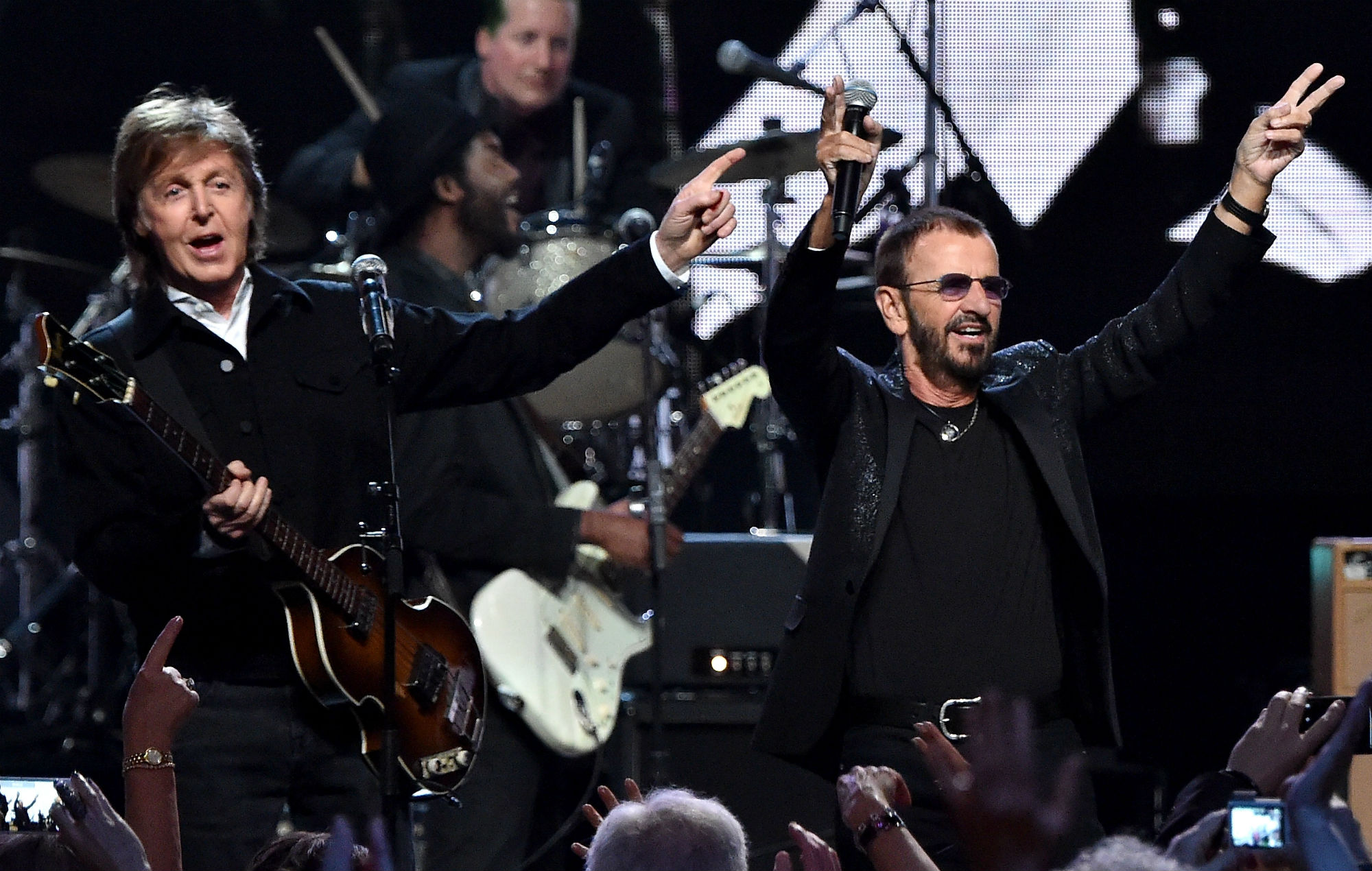 Ringo Starr Announces 80th Birthday Livestream Benefit With Paul Mccartney Sheryl Crow And More Nme