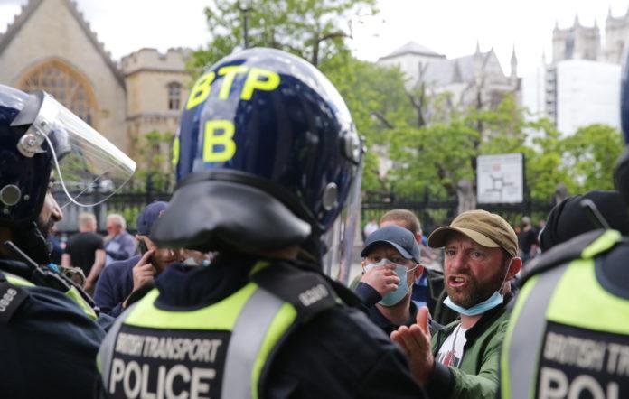 London riots, Parliament Square, far-right