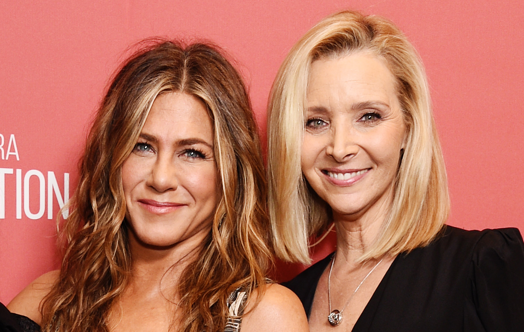 Friends Lisa Kudrow Tells Jennifer Aniston Why She Can T Watch The Show