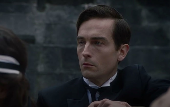 Tom Mison as Mr Phillips in 'Watchmen'