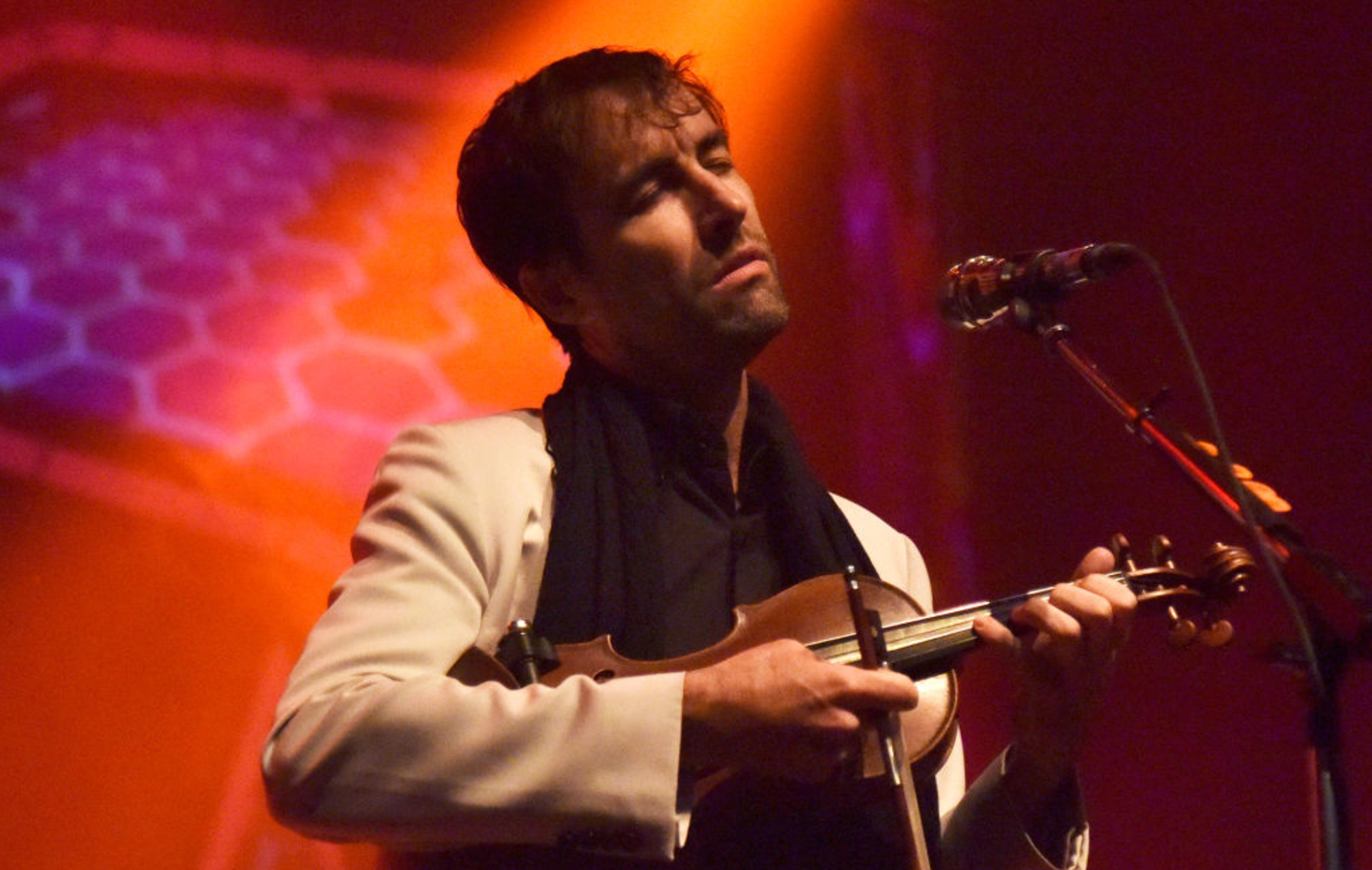 Watch Andrew Bird and his family perform 'Manifest' on 'Colbert'