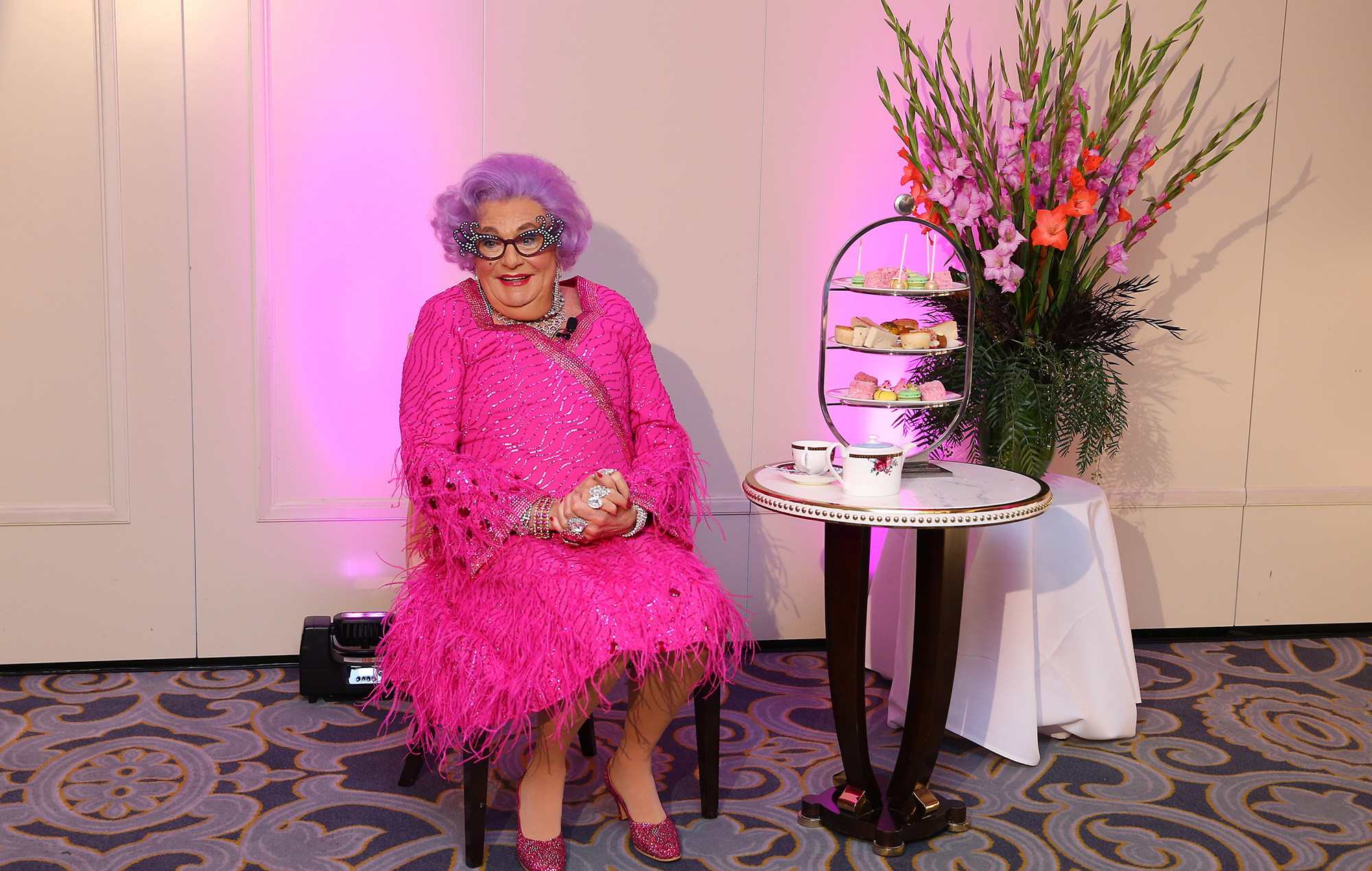 dame edna everage barry humphries