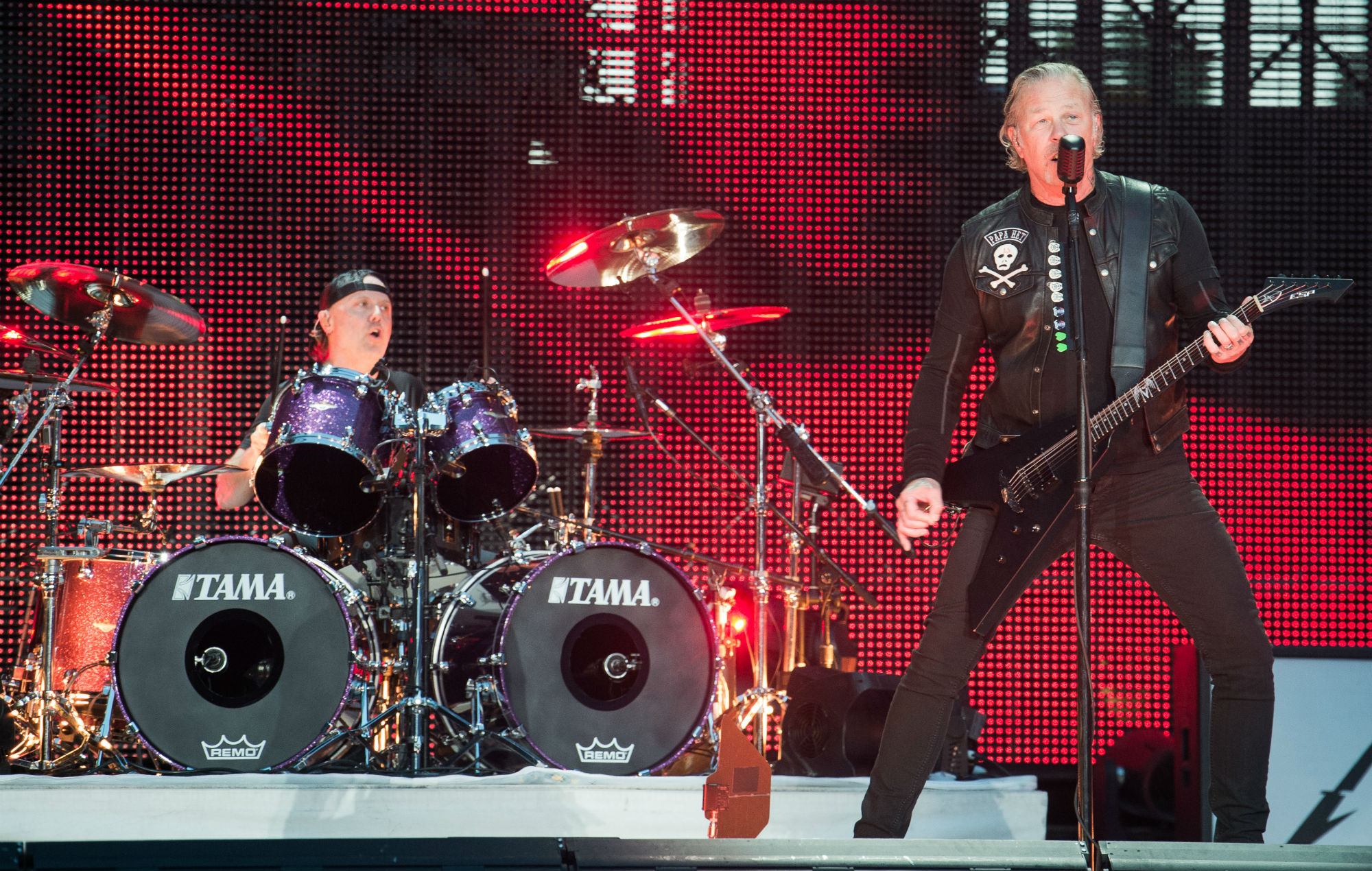 Metallica donates $250,000 to wildfire relief efforts on US West Coast
