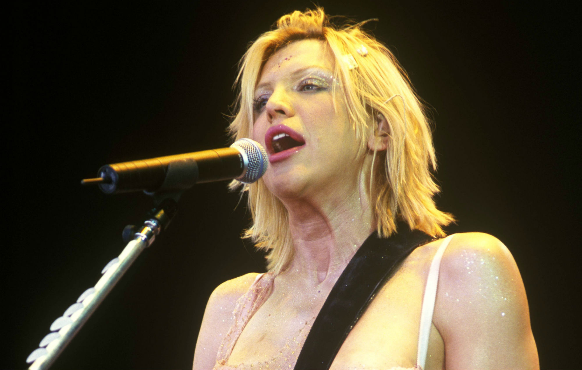 "Courtney Love recalls Hole's Glastonbury 1999 appearance: ""You really feel you've met your destiny up there"""