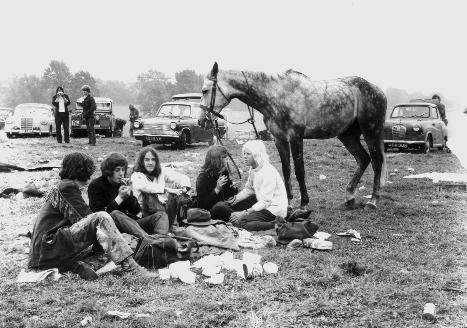 Glastonbury Festival, 1970s (c) Brian Walker (2)