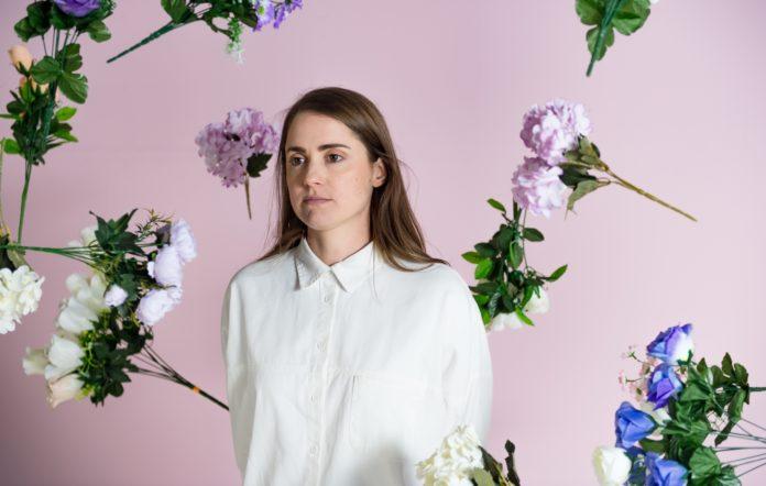 Jess Locke shares new single 'Fool'