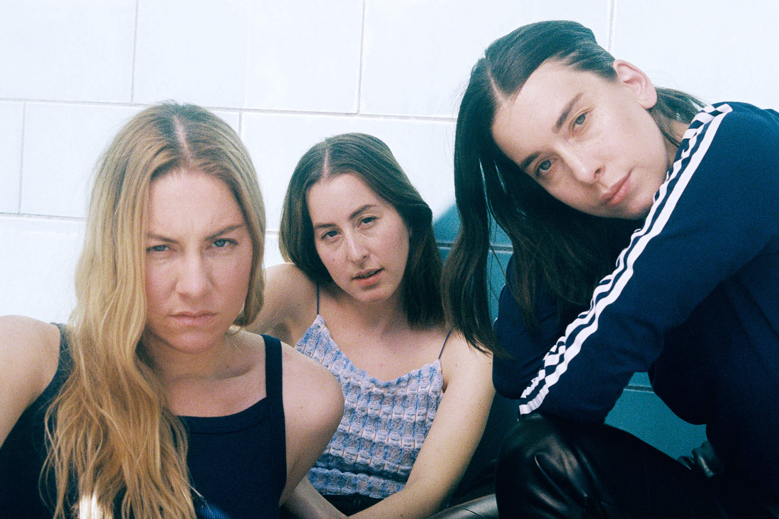 "On The Cover – Haim: ""I think women make the best rock music"" 