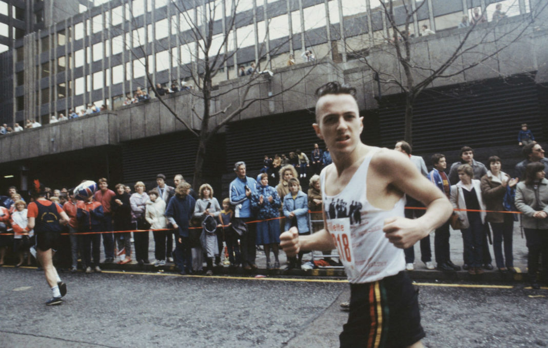 Joe Strummer runs the London Marathon in 1983. CREDIT: Steve Rapport