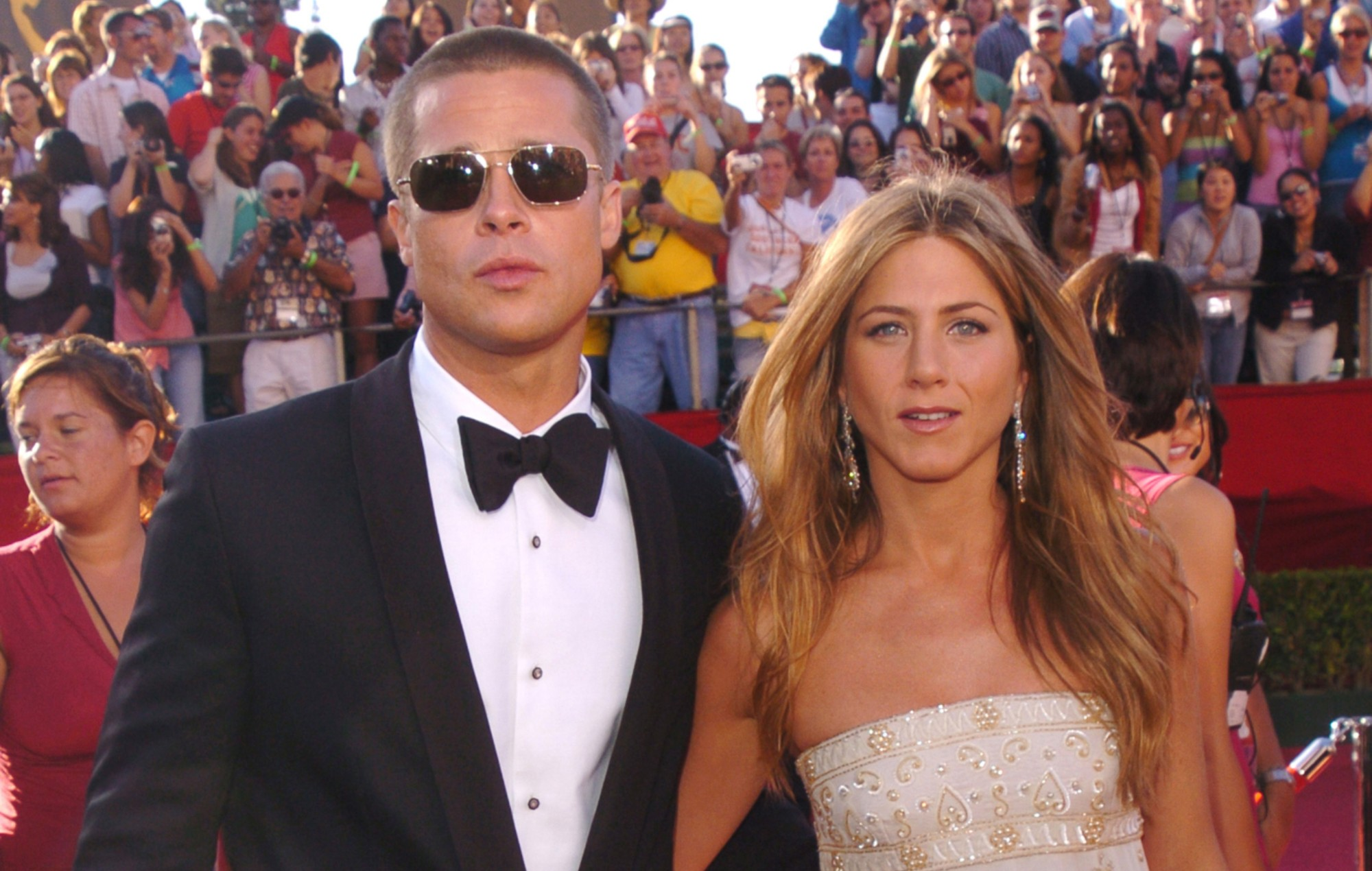 Watch Jennifer Aniston and Brad Pitt in 'Fast Times at Ridgemont High' table read