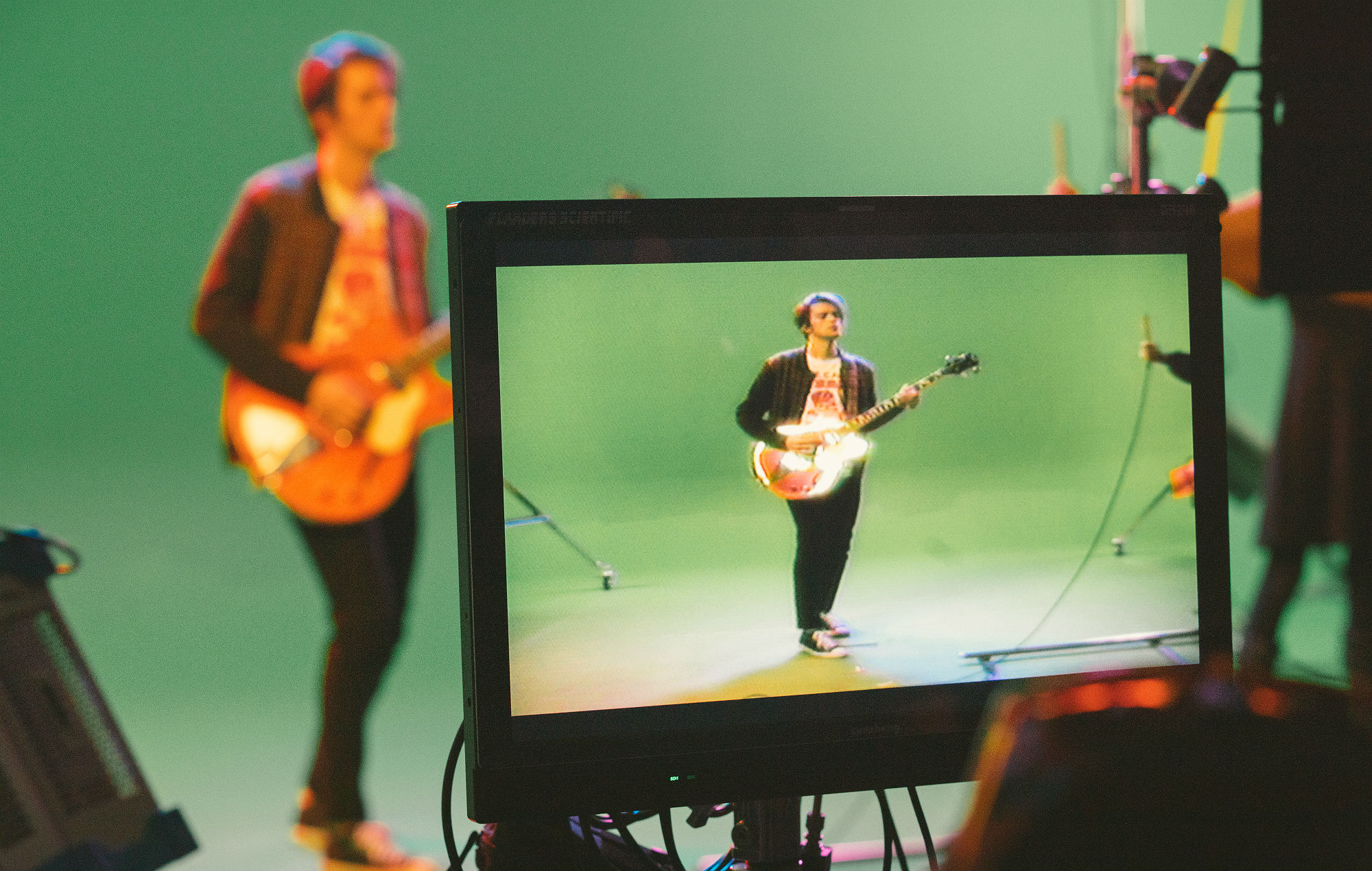 Behind the scenes of iDKHow's 'Razzmatazz' video