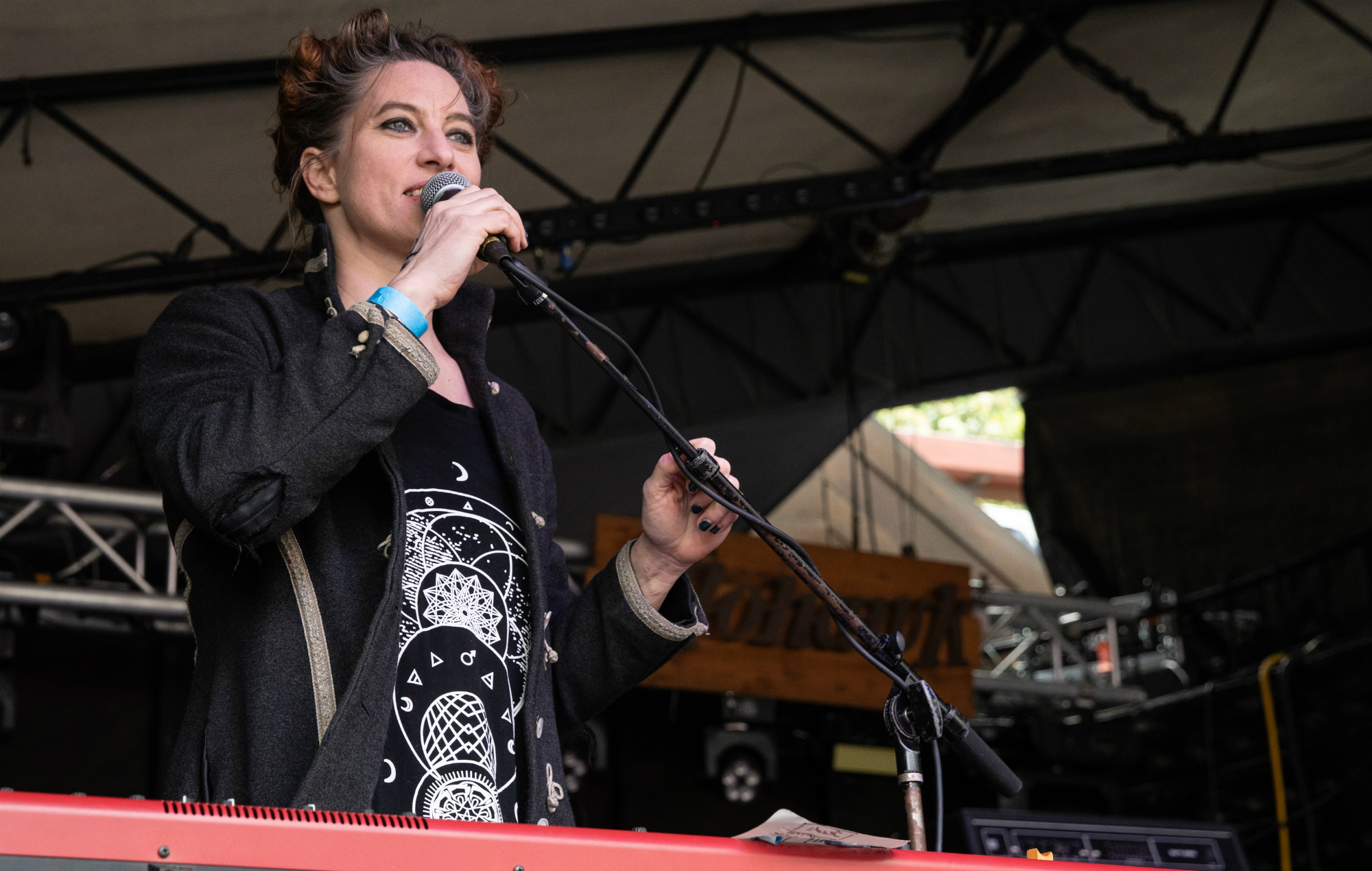 Amanda Palmer to launch new podcast 'The Art Of Asking Everything'