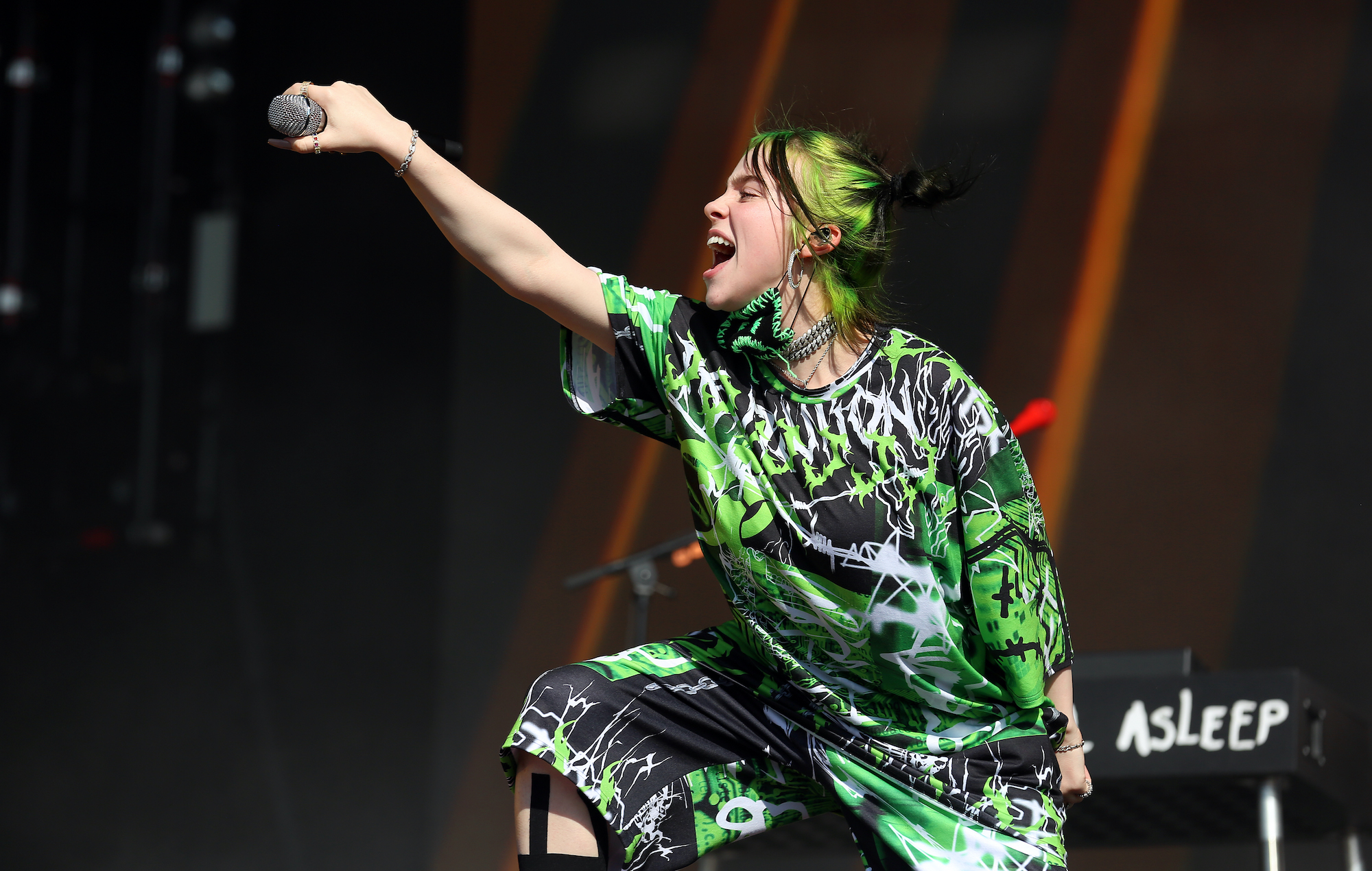 Billie Eilish, Reading