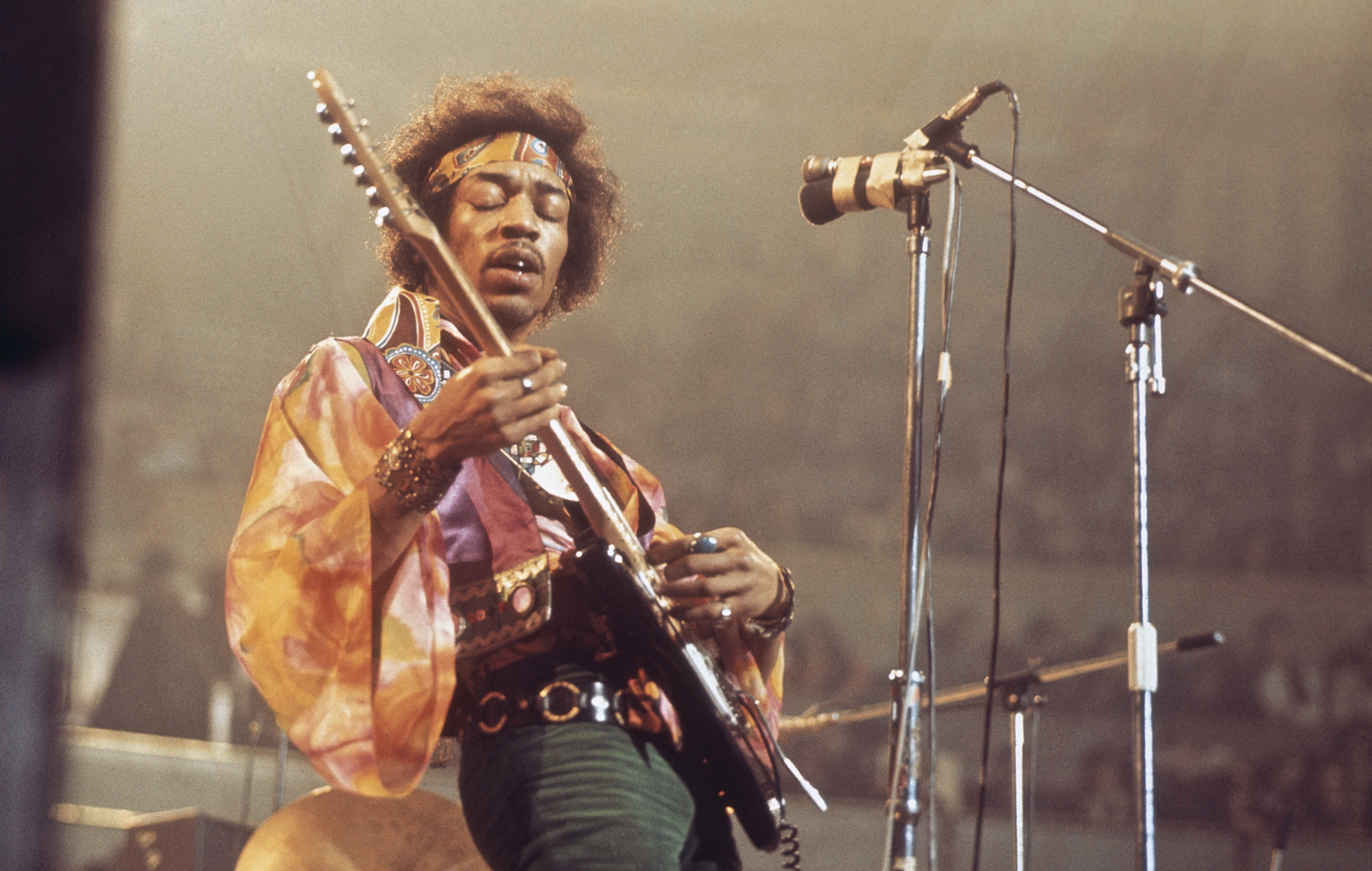 Watch Jimi Hendrix perform 'Foxey Lady' in 'Live In Maui' preview | NME