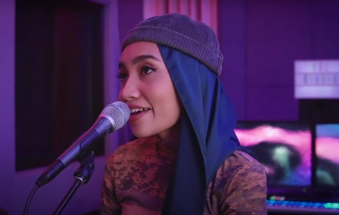Yuna KCRW performance White Stripes Seven Nation Army cover