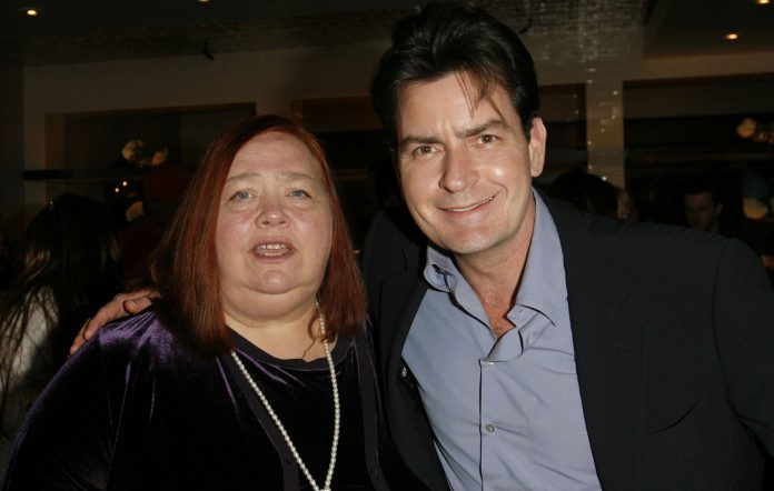 Conchata Ferrell and Charlie Sheen