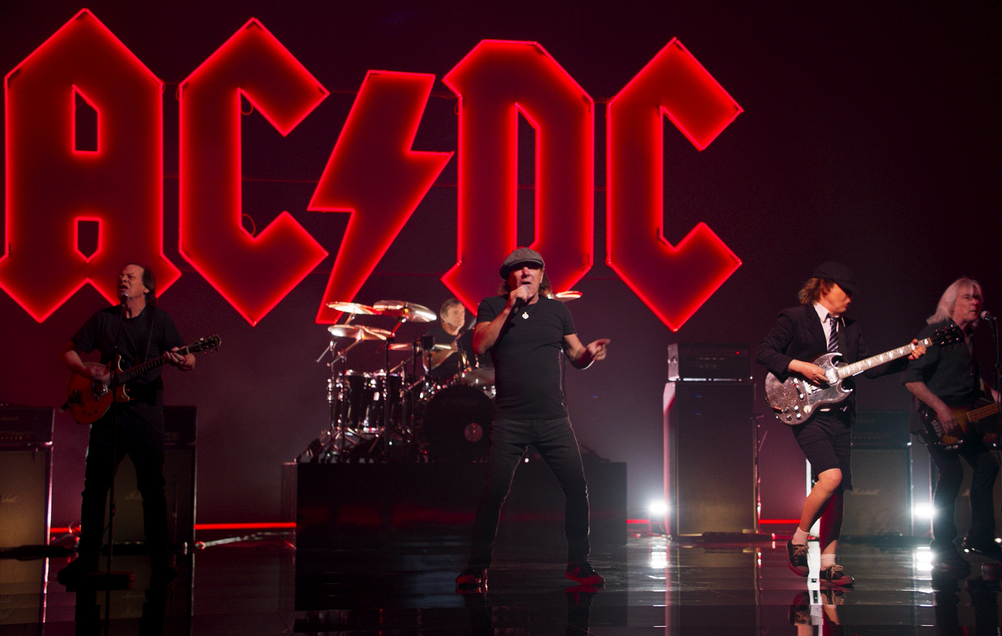 The official video for AC/DCs Shot In The Dark has arrived