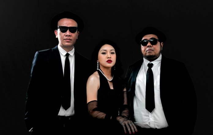 Watch Diskoria and Afifah Yusuf recreate '80s hidden gem 'Pelangi Cinta'