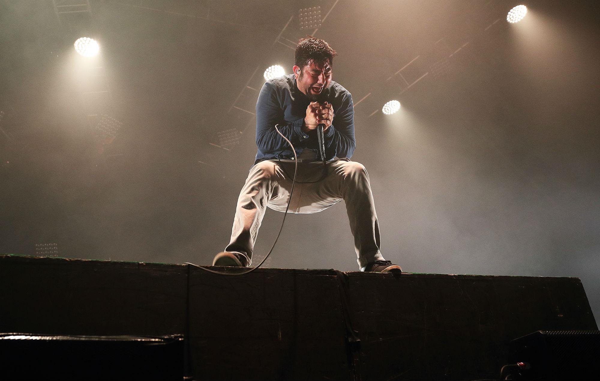 Chino Moreno of Deftones performs at Alexandra Palace on May 5, 2017 in London, England. (Photo by Burak Cingi/Redferns)