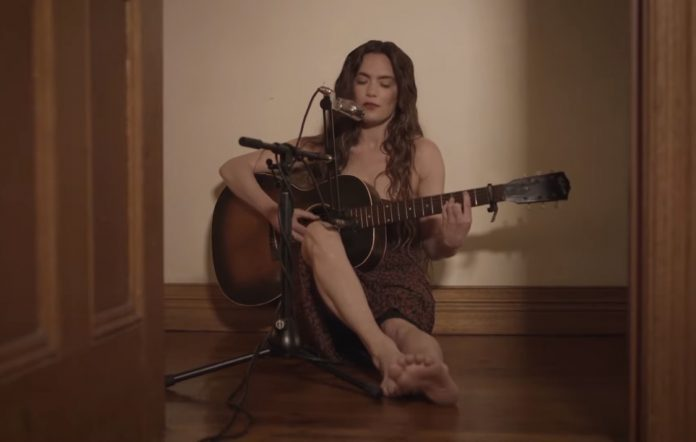 Julia Stone shares unplugged version of 'Unreal'