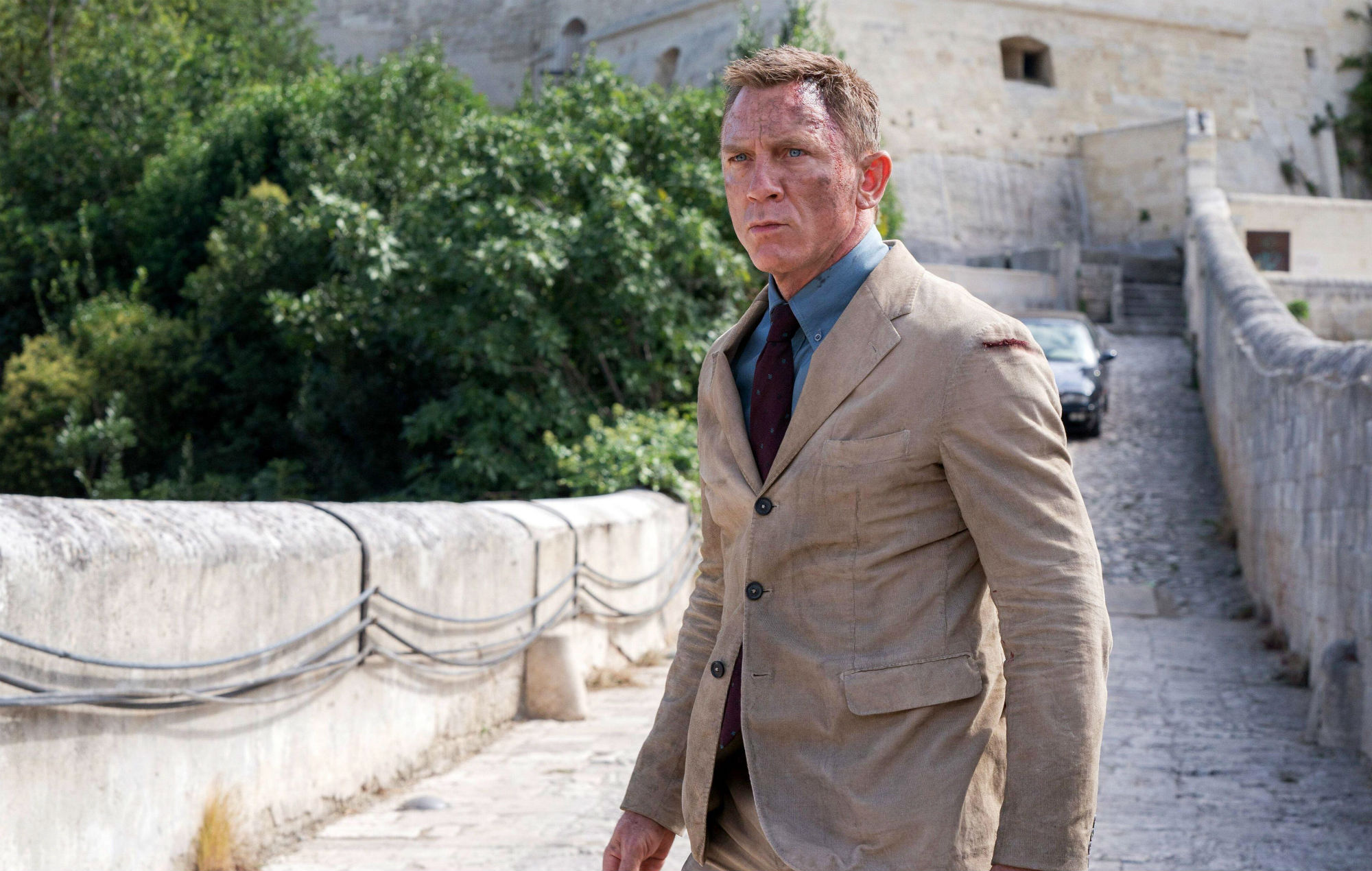 Judi Dench has 'James Bond' theme as her ringtone – and it went off on set