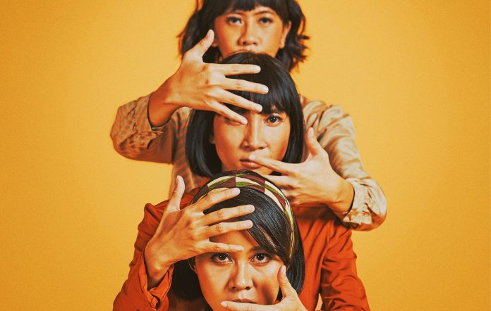 Watch FLEUR! reveal masculine, political side in 'Lagu Lama'