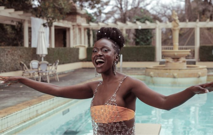 Akosia shares new single and music video 'Speechless'