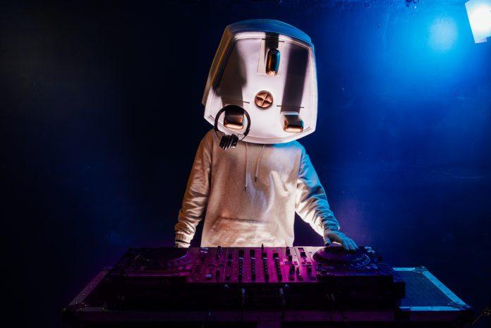 DJ Plugsy on the decks