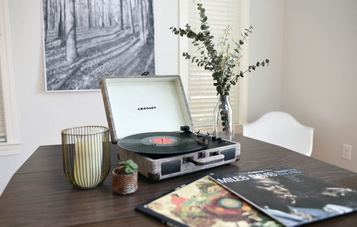 crosley home turntable