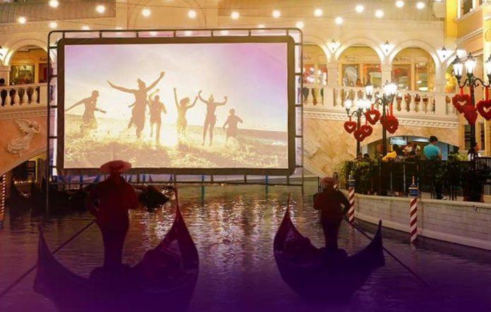 float-in cinema venice piazza mall