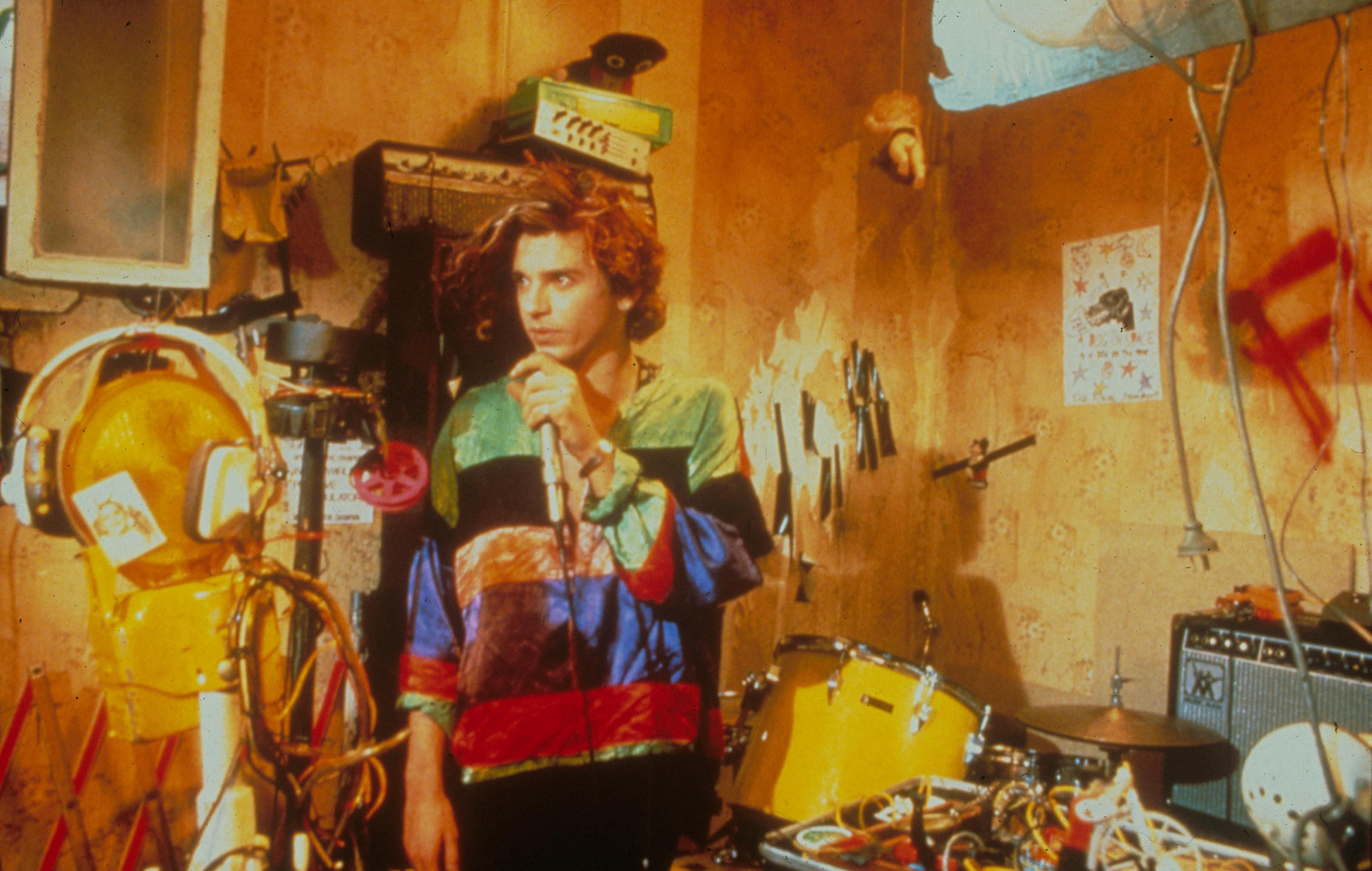 Michael Hutchence, Dogs In Space