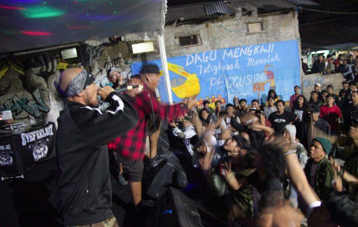 Grimloc Records Indonesia 10th anniversary compilation Dasawarsa Kebisingan