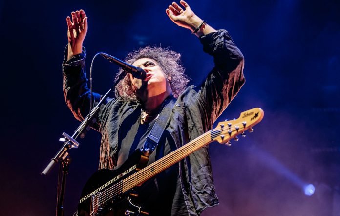 The Cure's Robert Smith on stage in Milian in 2016. (Photo by Sergione Infuso/Corbis via Getty Images)
