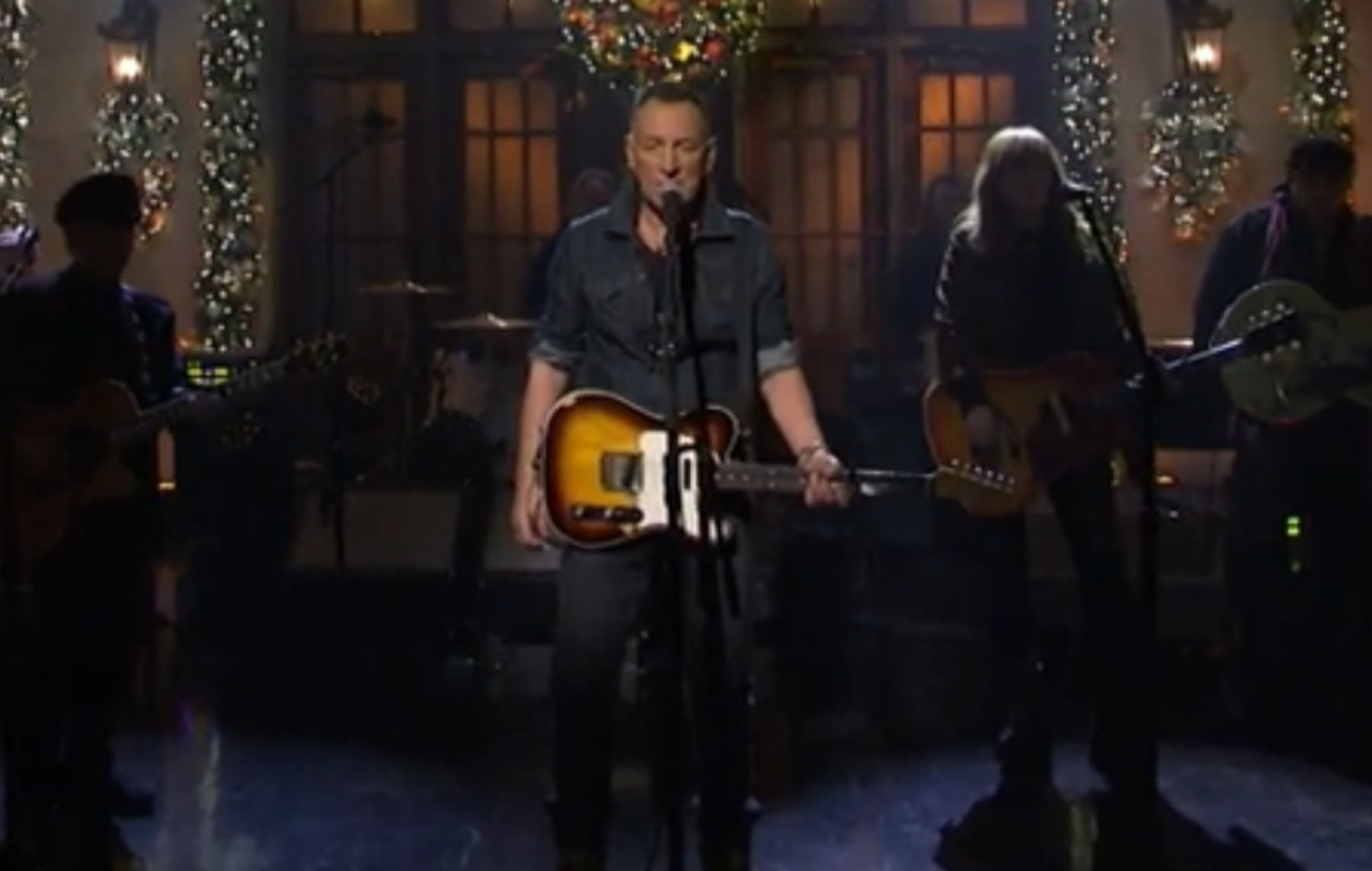 Bruce Springsteen And The E Street Band Reunite For Snl Performance