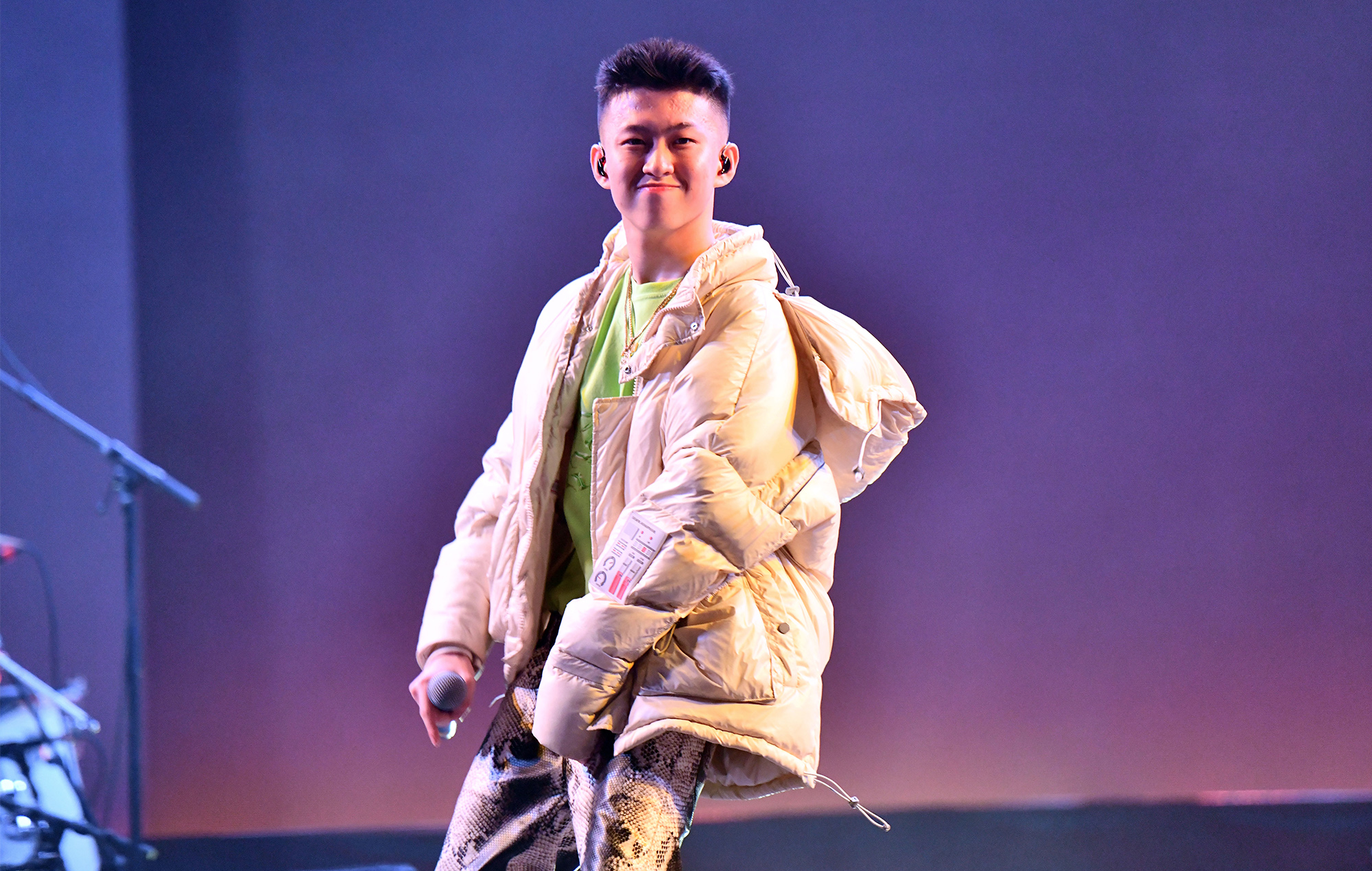 www.nme.com: 88rising inks deal to develop television series and film projects with Rich Brian and Dumbfoundead
