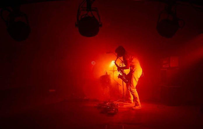 Party Dozen perform 'The Worker'