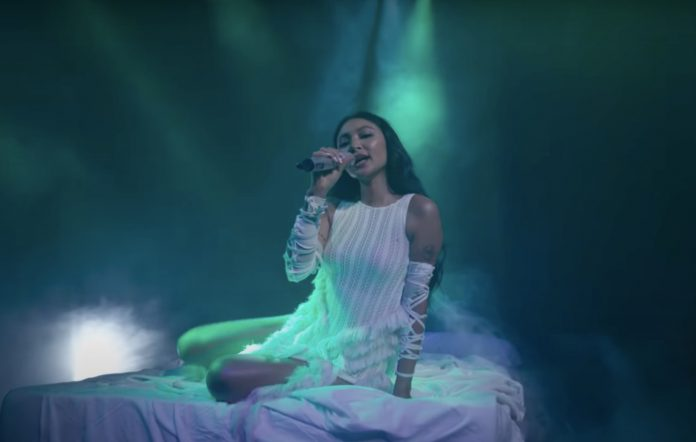 Nadine Lustre 'Ivory' live
