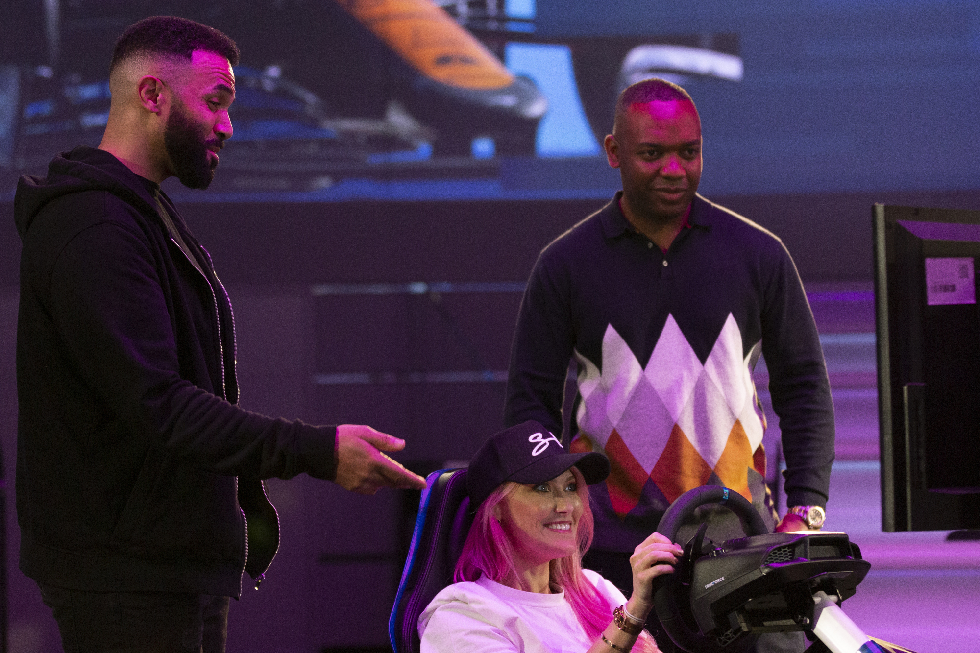 Craig David to star in VELO ESERIES, a brand new YouTube esports collection with VELO and McLaren Racing.
